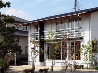 โดย 竹内建築設計事務所 ผสมผสาน