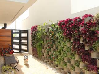 Jardines modernos de Taguá Arquitetura Moderno