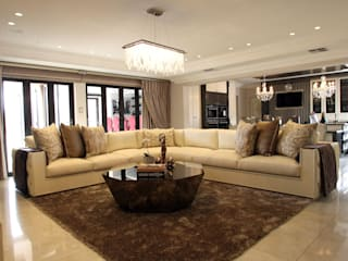 Ebotse Estate: classic Living room by Tru Interiors