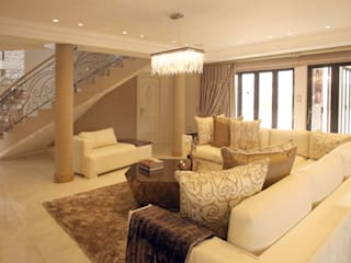 Ebotse Estate:  Living room by Tru Interiors,