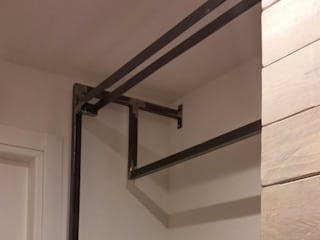 Elena Valenti Studio Design Corridor, hallway & stairs Clothes hooks & stands Solid Wood Brown