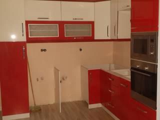 YÖN YAPI – IMKO tatil sitesi mutfak yenileme projesi: modern tarz , Modern