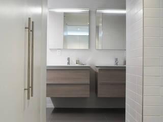 Banheiros modernos por Atelier036 Moderno