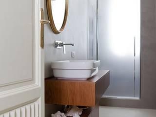 Łazienka bez płytek: styl , w kategorii Łazienka zaprojektowany przez HD Surface