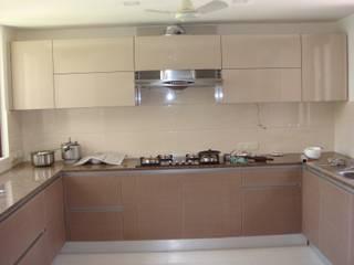 elegant kitchens & Interiors KitchenCabinets & shelves Chipboard Beige