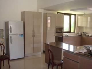 kitchen Gurgaon Modern kitchen by elegant kitchens & Interiors Modern