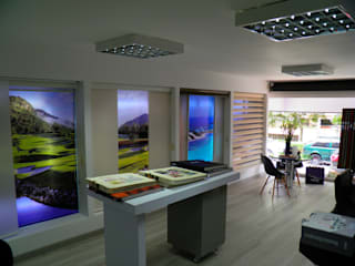 Modern style study/office by Concepto - Diseño y Decoración Modern