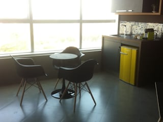 Escritório Ive Oliveira Lojas & Imóveis comerciais industriais por Arquiteta Ive Oliveira Industrial