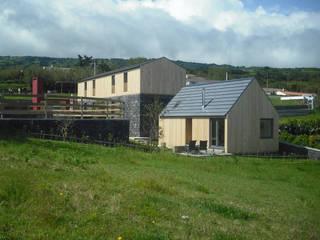 Patio, Agroturismo: Casas  por H2Arquitectos,Rústico Pedra