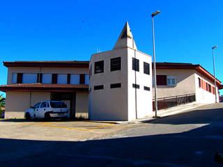 Centro de Salud en Jaraiz de la Vera Casas de estilo moderno de Estudio Miranda Arquitectos en la Vera Moderno