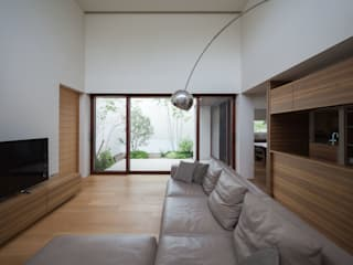Modern living room by Architet6建築事務所 Modern