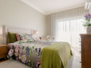Modern style bedroom by Stoc Casa Interiores Modern