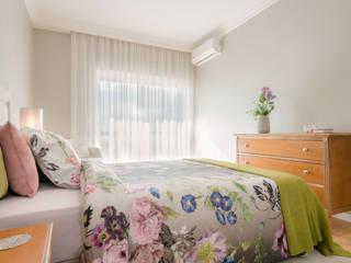 Bedroom by Stoc Casa Interiores