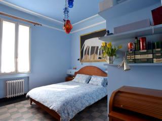 camera da letto:  in stile  di Amodo