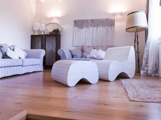 Livings de estilo minimalista de casa&stile interior design e ristrutturazioni Minimalista