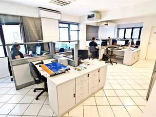 Sala de Desenvolvimento de Projetos: Espaços comerciais  por Helena Cristina Vieira Arquitetura