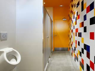 baños: Baños de estilo  de DECONS  GKAO S.L.