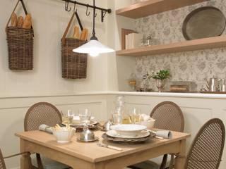 Rincón para lo desayunos y las comidas de diario Cocinas de estilo clásico de DEULONDER arquitectura domestica Clásico