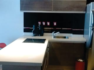 Torre Xiris Cocinas minimalistas de STUDIO&DESIGN Minimalista