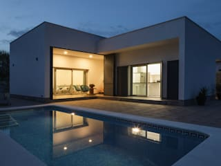 Casa Miranda: Casas de estilo  de FAQ arquitectura