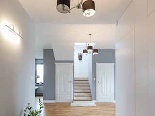 Коридор, прихожая и лестница в модерн стиле от En Casa Premium Real Estate Модерн