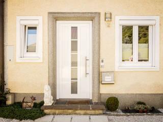 Fenster & Haustüren aus Kunststoff und Aluminium in Ottensheim montiert von Fenster-Schmidinger:  Fenster von Schmidinger Wintergärten, Fenster & Verglasungen