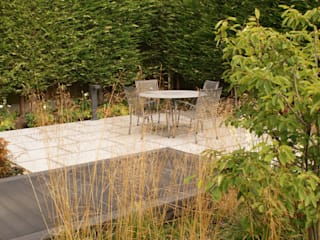 Garden Design Poynton by Hannah Collins Garden Design Сучасний