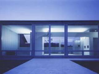 超低価格で実現した老後を人と共に楽しむ家: 近藤博史建築設計事務所が手掛けたです。