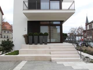 Casas de estilo moderno de innen_architekten BALS + WIRTH