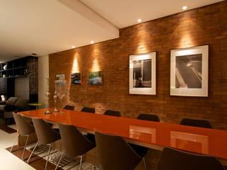 Moderne Küchen von Ines Scisci Maciel Arquitetura Modern
