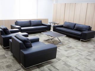 Sala de Estar dos Conselheiros: Escritórios  por Helena Cristina Vieira Arquitetura