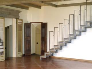 Salas de estilo clásico de Valentina Farassino Architetto Clásico