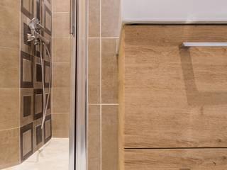 Salle d'eau masculine: Salle de bains de style  par Carnets Libellule