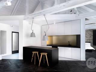 Projekt domu - rewitalizacja istniejącego domu z kamienia.: styl , w kategorii Kuchnia zaprojektowany przez 365 Stopni