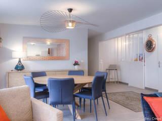 Appartement chic et coloré Salle à manger moderne par Bleu Cerise Moderne
