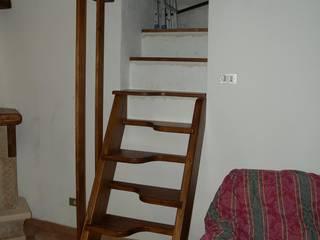 Gli Artigiani dei f.lli M.& S. Cordi snc Vestíbulos, pasillos y escalerasEscaleras Madera