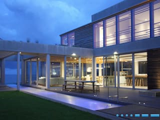 DV8 Architects Rumah Modern
