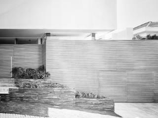 Moderne Häuser von Arqbox Modern