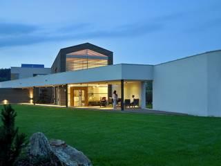 Huizen door BECZAK / BECZAK / ARCHITEKCI, Modern
