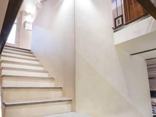 Scala Ingresso, Corridoio & Scale in stile coloniale di UAU un'architettura unica Coloniale