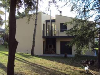 Vivienda unifamiliar aislada Casas de estilo moderno de Estudi d'Arquitectura Lluis Tort Moderno