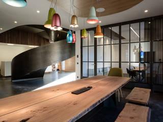DURCHBLICK:  Bürogebäude von Hunkeler Partner Architekten AG