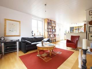 Ruang Keluarga Klasik Oleh Lignum Möbelmanufaktur GmbH Klasik