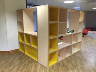 Room divider and storage por Kobod Ltd Moderno