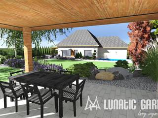 Projekt ogrodu kamiennego z basenem: styl , w kategorii  zaprojektowany przez Lunatic Garden