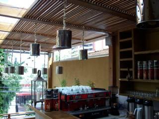 Rustic style kitchen by Empório Brasil Marcenaria Rustic