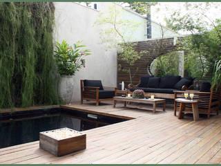 Rustic style garden by Empório Brasil Marcenaria Rustic