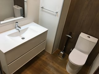 Obra Casa Branca: Casas de banho mediterrânicas por Obras & Detalhes, Engenharia e Construção