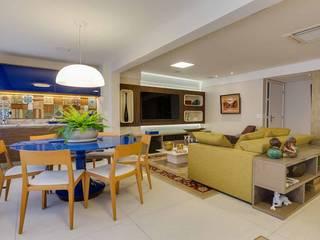 GOURMET / HOMETHEATER: Salas de jantar  por Tânia Póvoa Arquitetura e Decoração