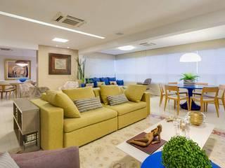 ESTAR / HOME THEATER: Salas de estar  por Tânia Póvoa Arquitetura e Decoração